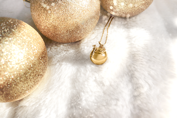 Shown here: Our Sphere + Wand Locket, a thoughtful Christmas gift for mom.