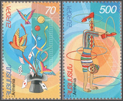 #657-658 Armenia - 2002 Europa: Circus, Set of 2 (MNH)
