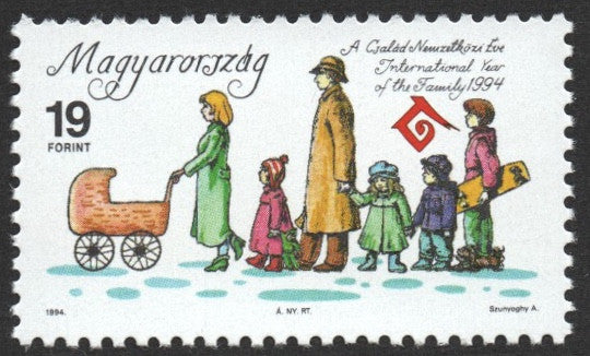 #3450 Hungary - Intl. Year of the Family (MNH)