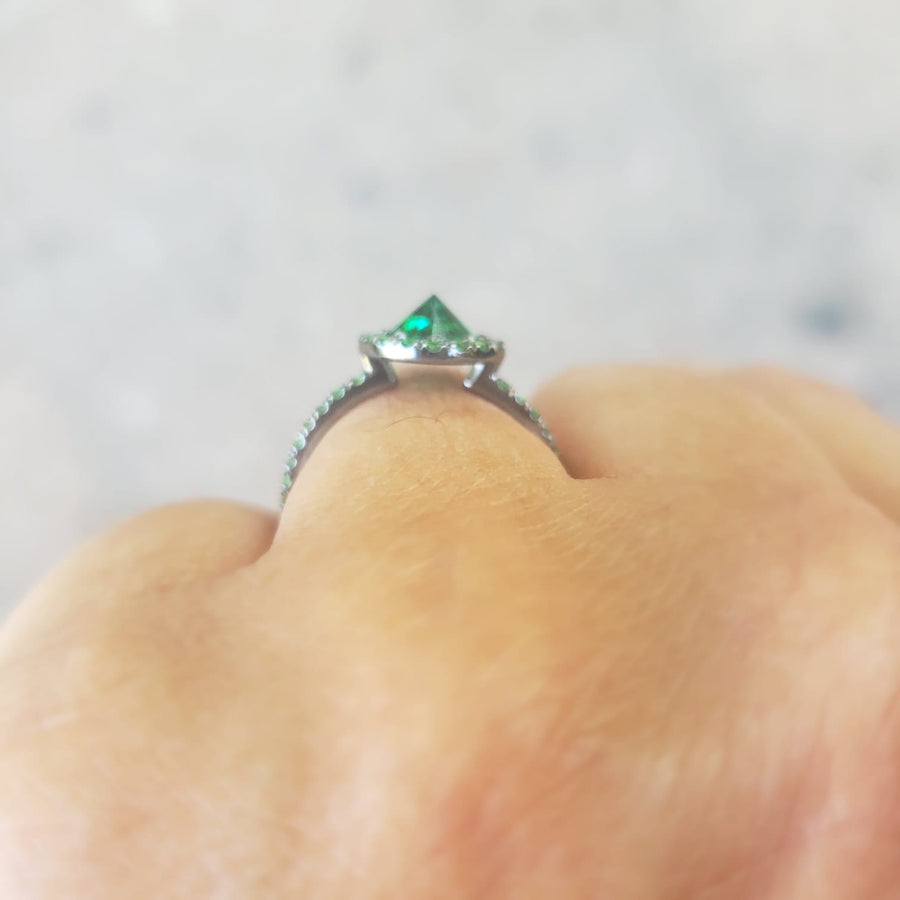 SUGAR STUD TSAVORITE RING
