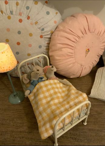 Maileg mum and dad mouse furniture
