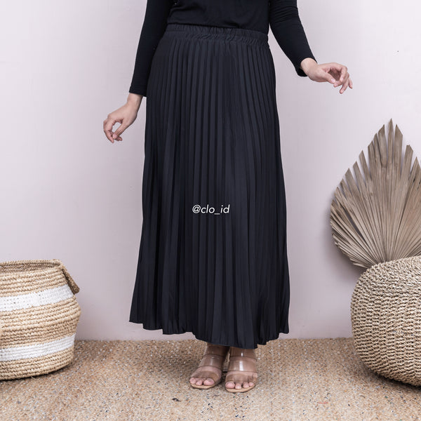 Basic Plisket Skirt