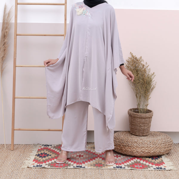 Atiqa Kaftan One Set