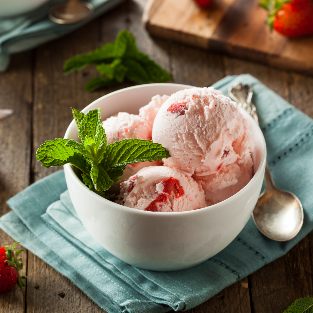 "Strawberry Cheesecake: Vegan Ice Cream Recipe (""Nice"" Cream)"