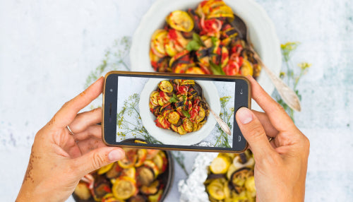 How Social Media is Transforming Food Service