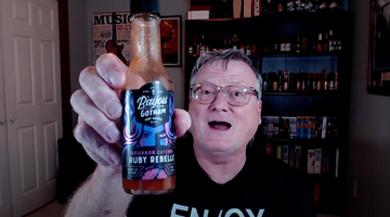 BILL MOORE'S HOT & SPICY REVIEWS: RUBY REBELLE BOURBON CAYENNE