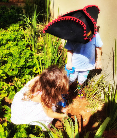 digging for treasure hunt for children