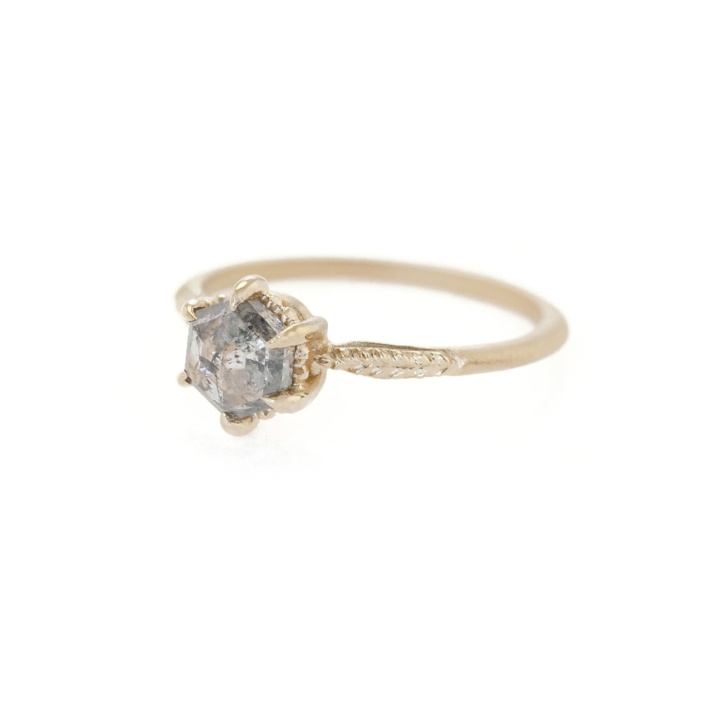 Evergreen Solitaire Ring (MT6126)