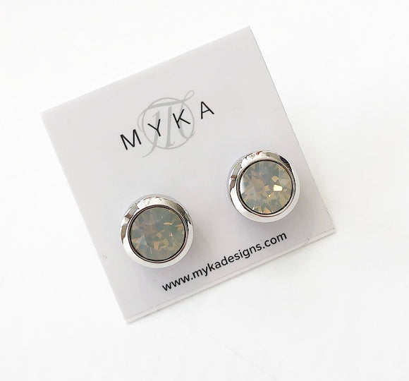 MYKA RHODIUM LGO SMALL ROUND EARRING