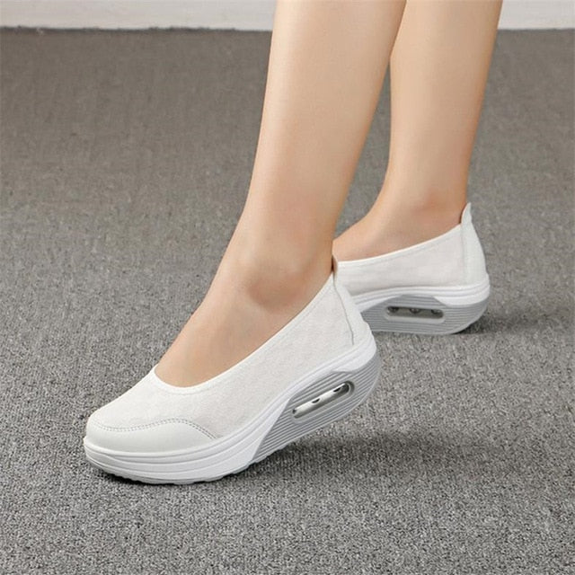Women's thick-soled shake shoes