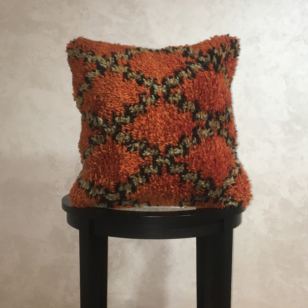 "Vintage Moroccan Wool Pillow Cover, Berber Wool Cushion Diamond Pattern Orange 19""x19"" - Moroccan Interior"