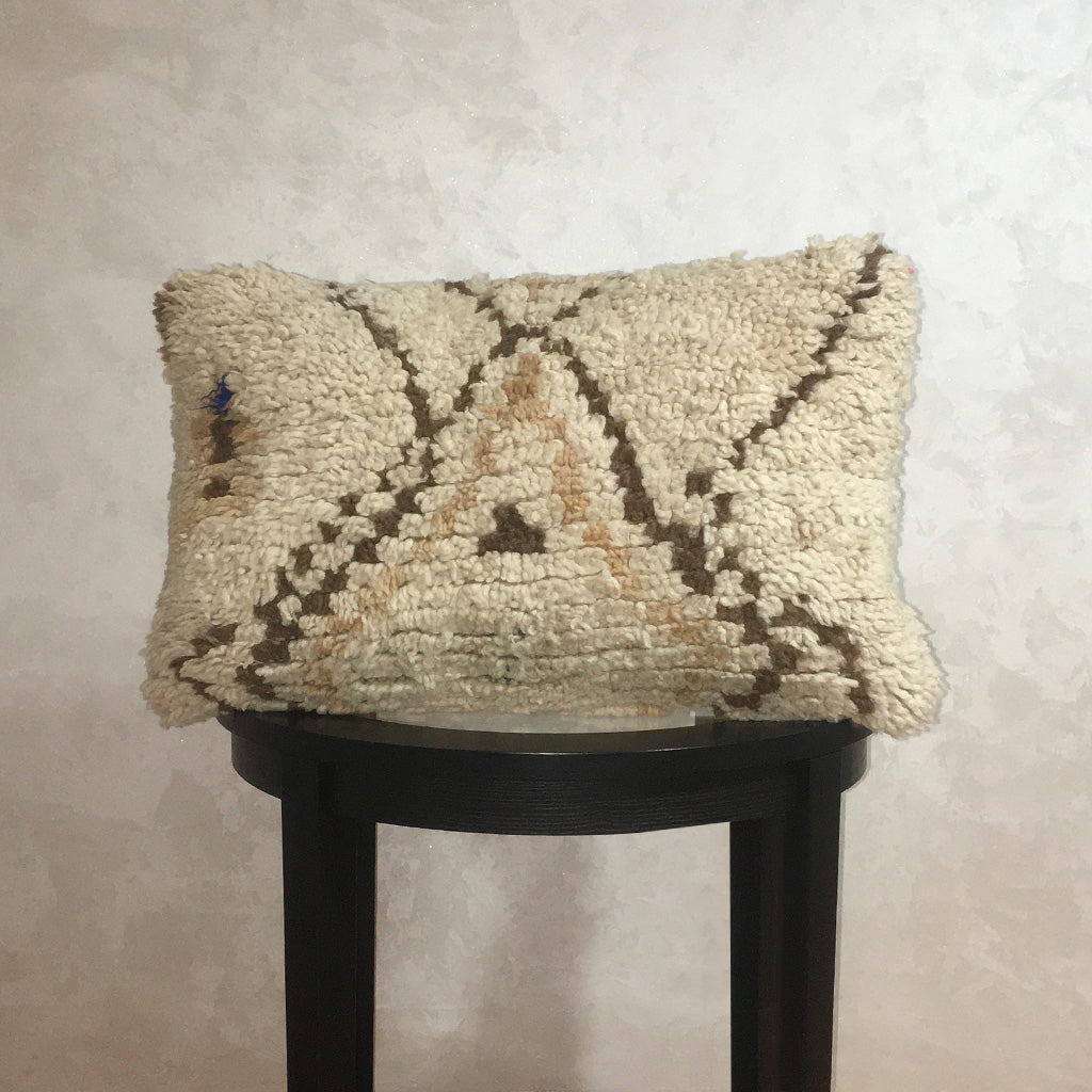 "Vintage Moroccan Wool Pillow, Berber Wool Cushion Cover Off White Brown 14""x22"" - Moroccan Interior"