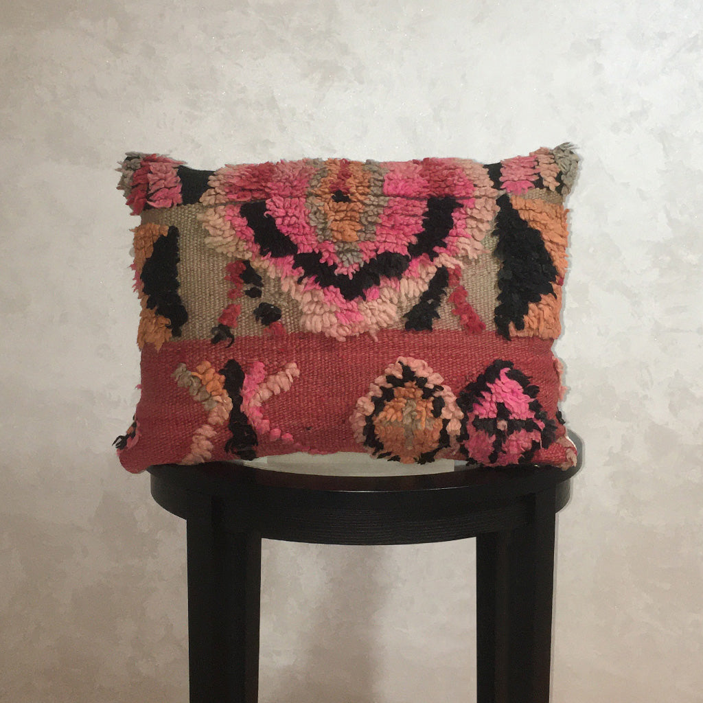 "Vintage Moroccan Wool Pillow, Berber Wool Cushion Cover Pink Red 14""x19"" - Moroccan Interior"