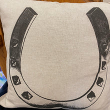 Load image into Gallery viewer, Linen horse and horse shoe pillows