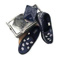 Load image into Gallery viewer, Bandana Slippers ~ Navy