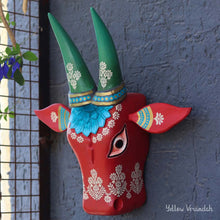 Load image into Gallery viewer, Floral Printed Tin Box