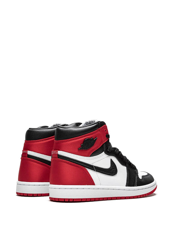 AIR JORDAN 1 RETRO HIGH OG - BLACK TOE SATIN