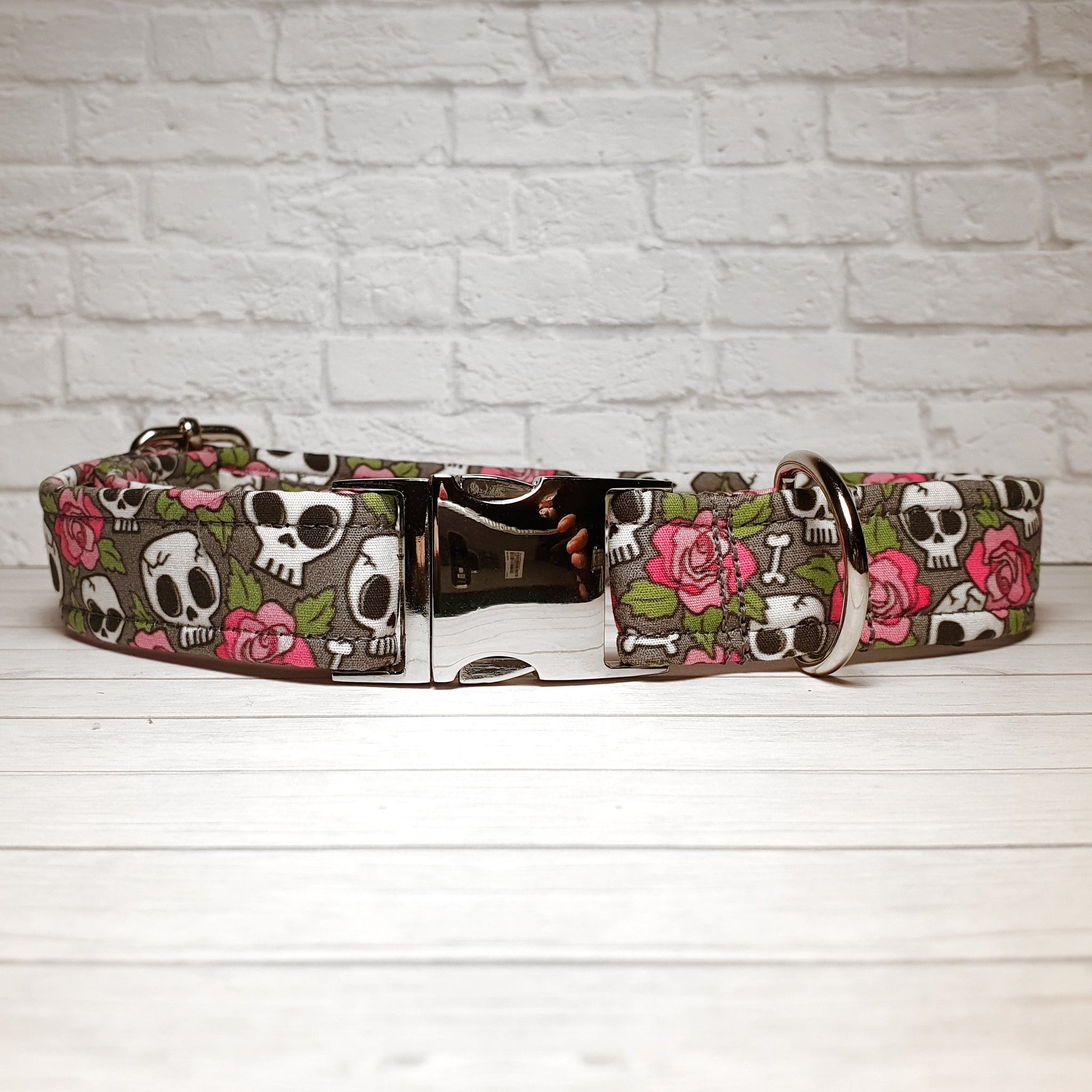 Grey Skulls and Roses Dog Collar