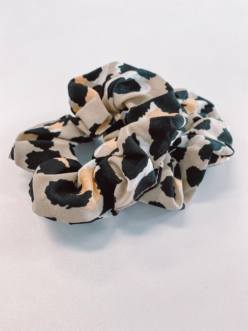 Abby Leopard Scrunchie - Black Mint Clothing