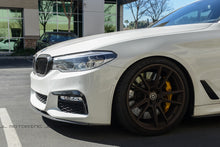 Load image into Gallery viewer, BMW G30 5 Series Carbon Fiber Fender Trims