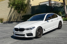 Load image into Gallery viewer, BMW G30 F90 M5 Performance Carbon Fiber Side Skirts