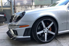 Load image into Gallery viewer, Mercedes Benz W211 E63 AMG Dry Carbon Fiber Side Vents