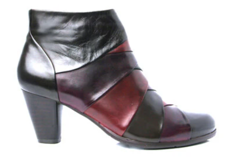 Ankle Boots by Regarde
