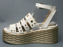 Load image into Gallery viewer, Marco Moreo E541 -Platform sandal