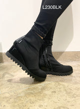 Load image into Gallery viewer, Marco Moreo L230BLK- Wedge ankle boot
