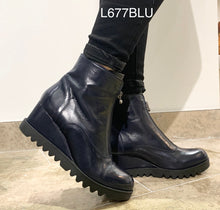 Load image into Gallery viewer, Marco Moreo L677BLU- Wedge ankle boot