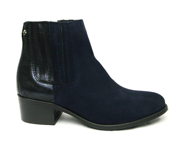 Amy Huberman Picture-Navy suede boots