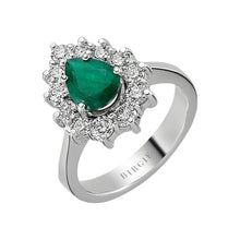 Load image into Gallery viewer, Emerald Stone Diamond Ring