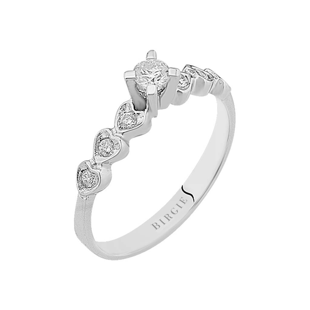 Total 0.26 Carat Diamond Heart Design Solitaire Ring