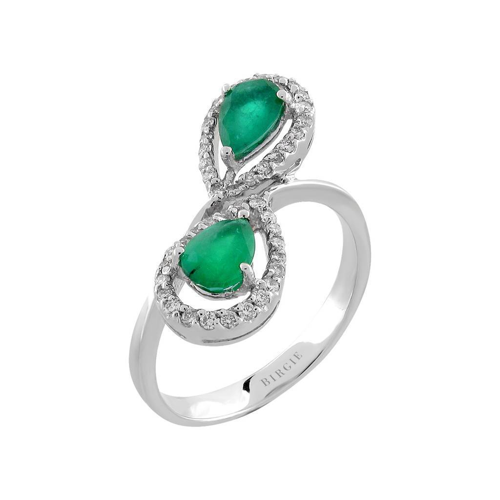 Drop Shape Emerald and Shared Prong with Diamond Side Stones Ring in 18K Gold