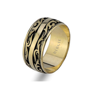 Assymetric Yellow Gold Vintage Wedding Band