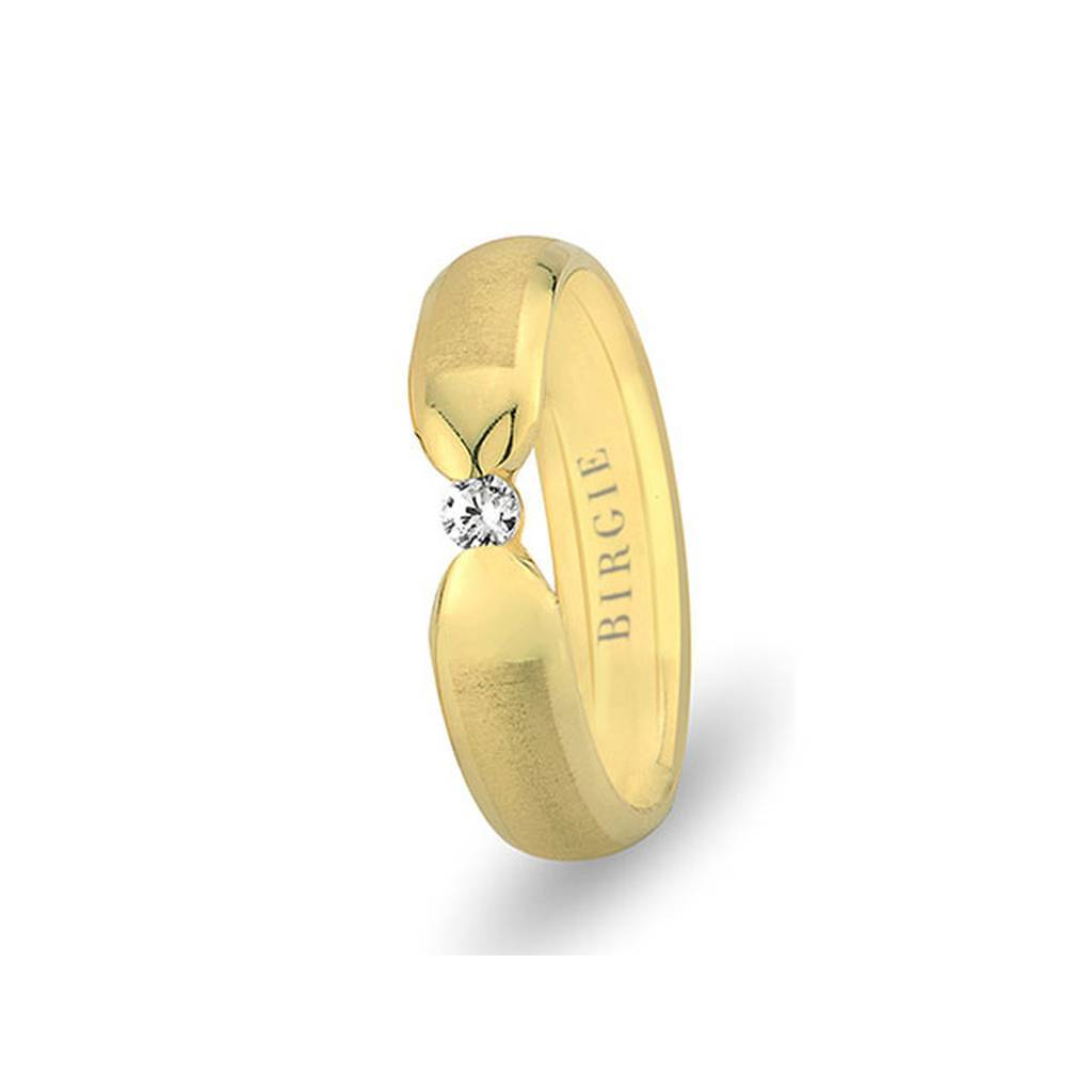 Yellow Gold Hawaii Matt Wedding Band w/ Single Diamond