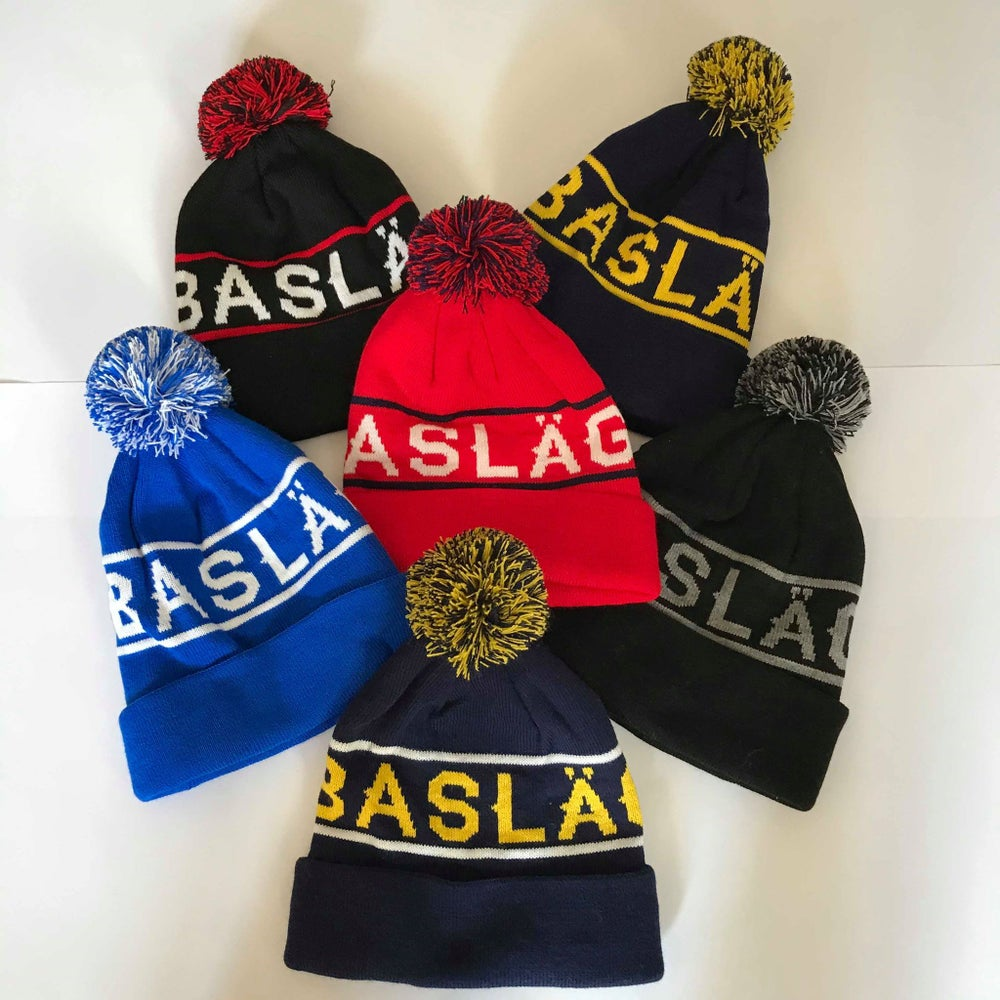 BOBBLE HATS [Discount Rail]