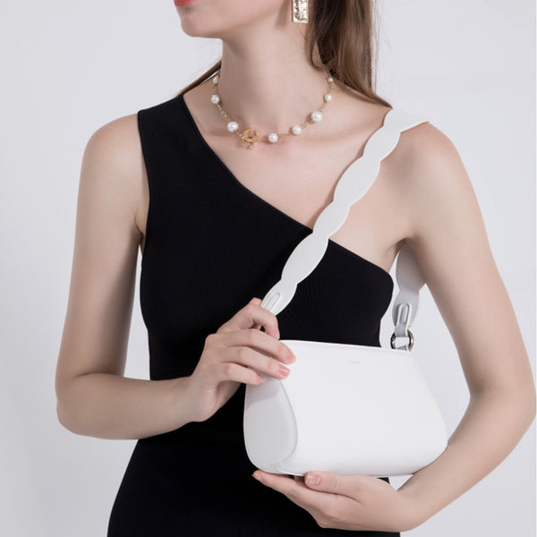 Women Underarm bag white retro single shoulder small bag messenger bag