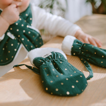 Winter Mittens - Green Polka Dot