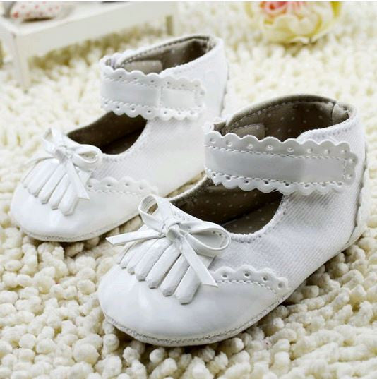 White frills prewalker shoes
