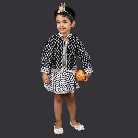 Black and White Small Motif Pinafore