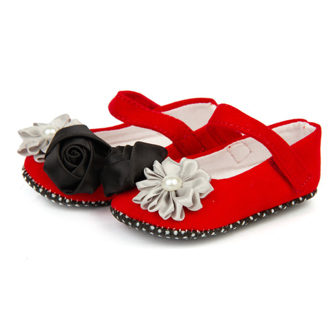 Red velvet shoes with dual flowers