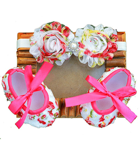 Pikaboo Newborn baby Headband baby Shoes combo - Big pearl and roses