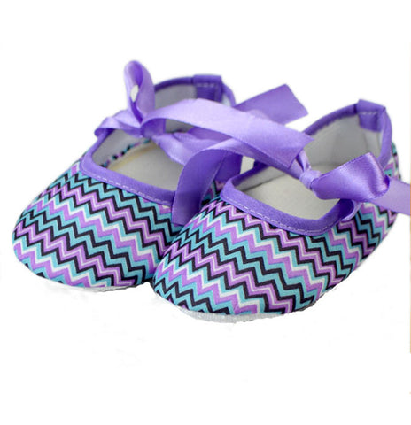 Chevron purple crib shoes