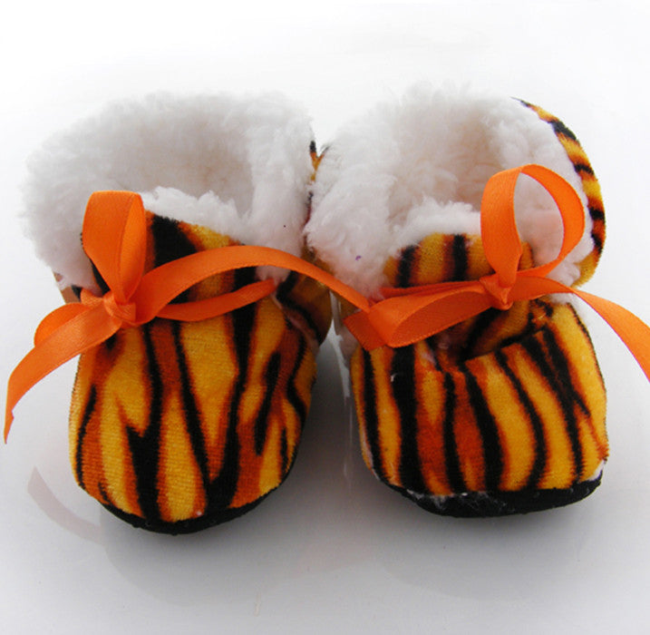 Tiger print Winter booties for infants (4-10 months)