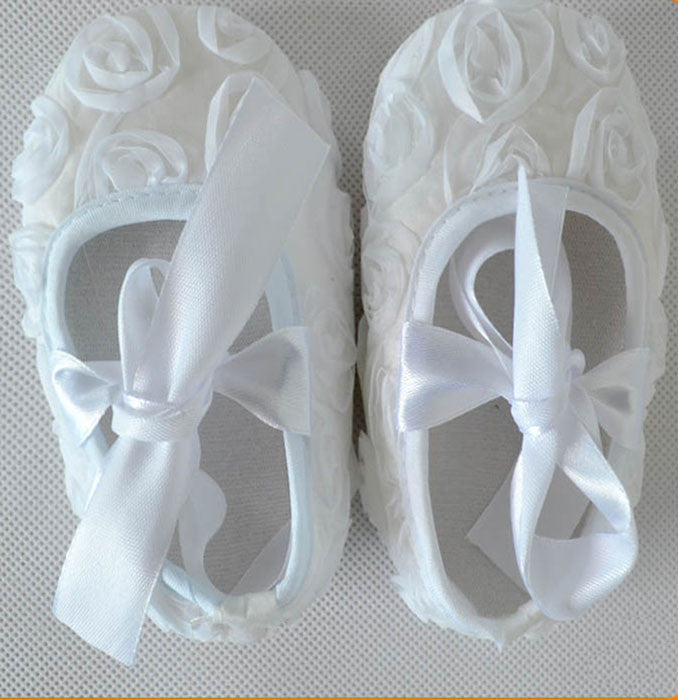 White roses crib shoes