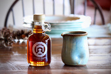 Load image into Gallery viewer, Maple Syrup and Pitcher Gift Box
