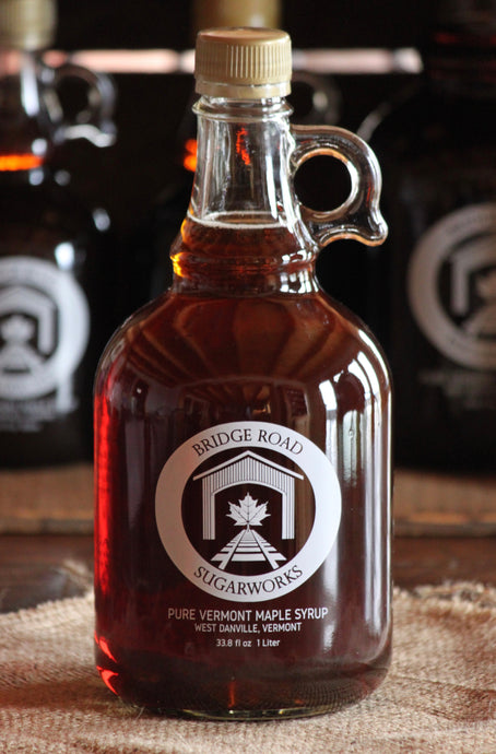 1 liter glass bottle pure maple syrup