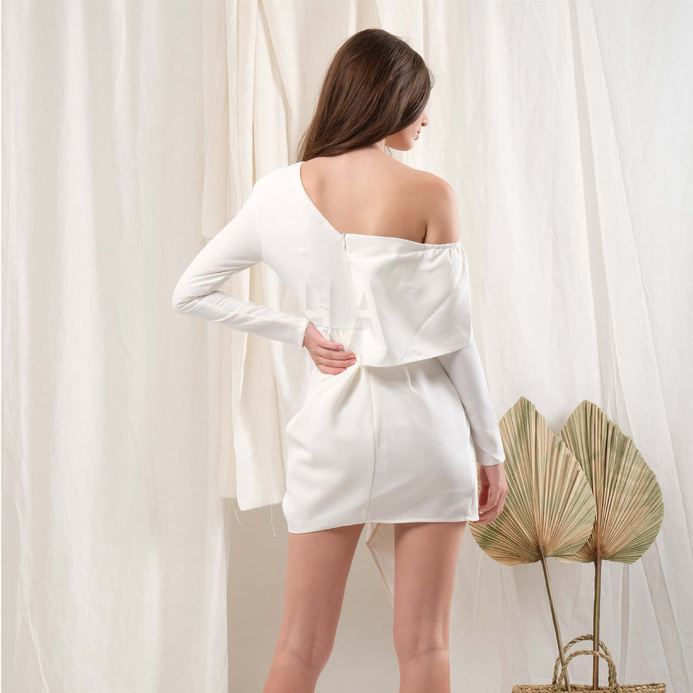 ROSE WHITE ASSYMETRIC MINI BANDAGE DRESS