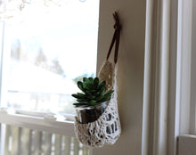 Load image into Gallery viewer, Wall Hanging Planter